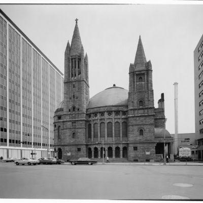 First Baptist Peddie Memorial Church, Broad  (1).jpg