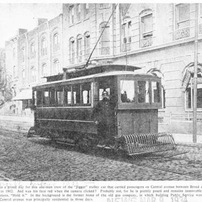 1902 Trolly on Central Avenue between Broad and Washington streets.jpg