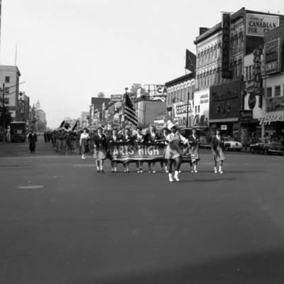 Parade on Broad Street 1953.jpg