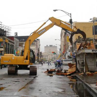 Broad-Market Newsstand Demolition 2006.jpg