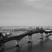 Pulaski_Skyway_over_Hackensack_River.jpg