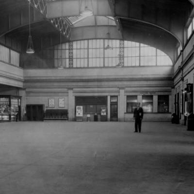 Central Railroad Station Interior 1951.jpg